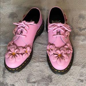 NIB Dr. Martens ladies shoes 5 US / 3 UK